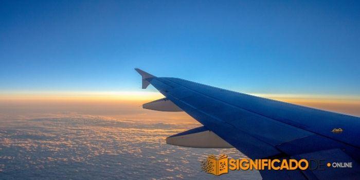 soñar que observas un jet